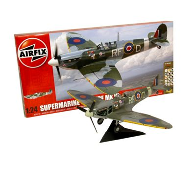 Airfix Battle of Britain Spitfire Gift Set