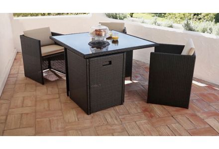 Save up to 1/3 on selected garden furniture.