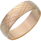 more details on 9ct Yellow Gold 6mm Kiss Pattern D Shape Wedding Ring.